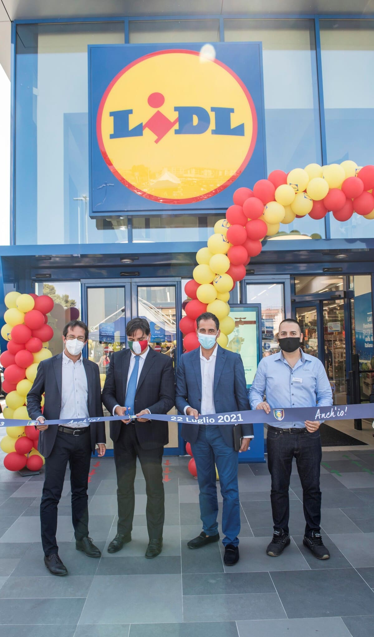 Lidl cambia look a Catania