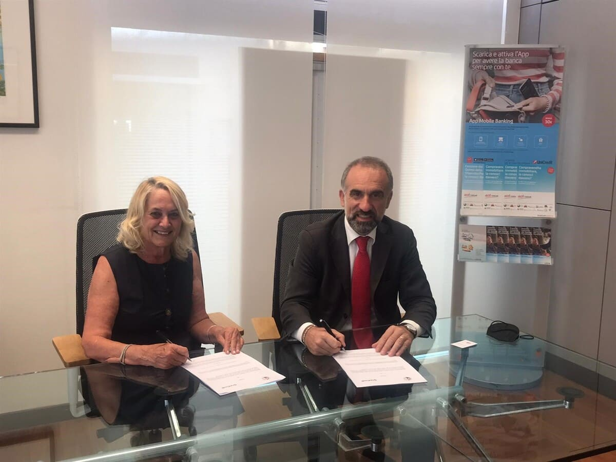 Ruenza Santandrea, la presidente del Consorzio Vini di Romagna; e Andrea Burchi, Regional Manager Centro Nord UniCredit